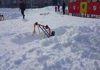 Lastenkeinu talvisin