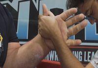 Ohjeita kädenvääntöön + perkeleen iso koura