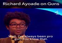 Richard Ayoade ja aseet