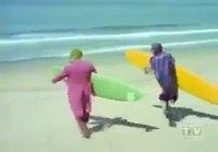Batman ja Jokeri surffaa