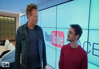 Conan tutustuu virtuaalitodellisuuteen