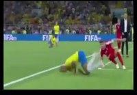 Neymar kikkailee taas