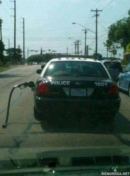 Poliisi kämmänny