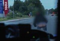 Poliisit vs Pyöräilijä