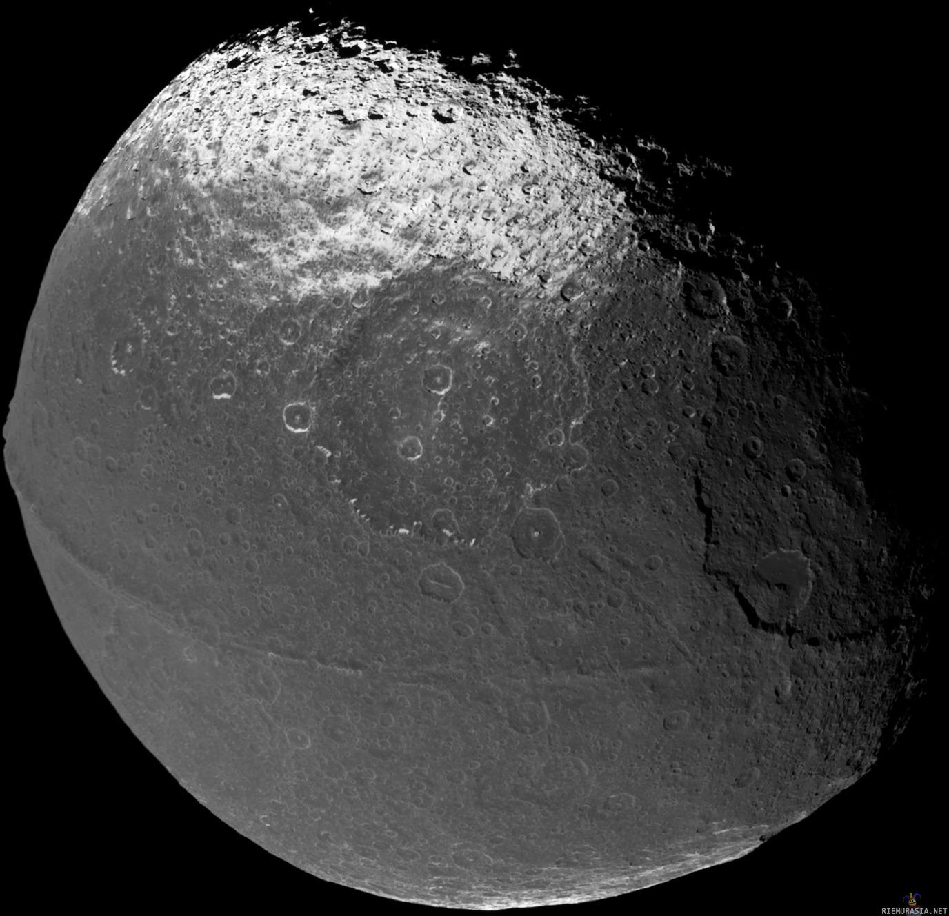 Iapetus, Saturnuksen kolmanneksi suurin kuu