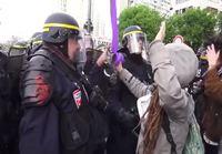 Mielenosoittaja vammautuu poliisiväkivallasta