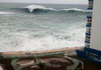 Meri myrskyää Teneriffalla