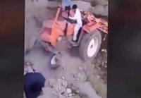 Traktoreilla tunarointia