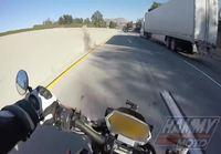 Onnekas moottoripyöräilijä