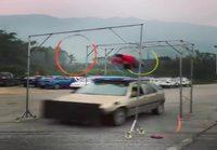 Stuntti auton katolla
