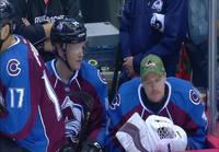 NHL fanit saavat pelaajilta muistoja