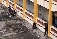 Vietnamin poliisi harjoittelee