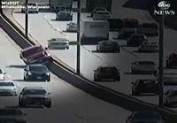 Auto vs pylväät  2 - 0