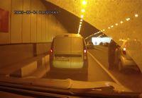 Vaikeuksia tunnelissa