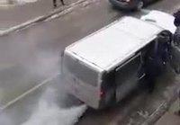 Pakettiauto pikkasen savuttaa